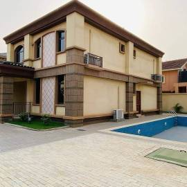 Exec 5 B/r House  1 Bqs for Sale