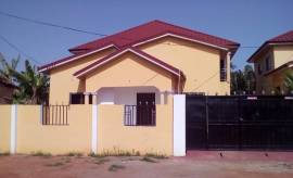 Posh 3bedroom house f